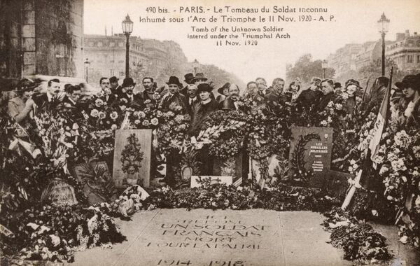 Tomb of the Unknown Soldier intered under the Arc de Triomphe, Paris, France on 11th November 1920 (Armistice Day). Date: 1920