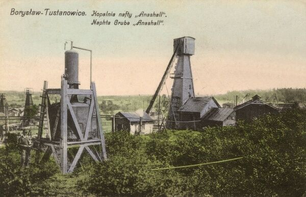 Naphta (crude oil) well at Tustanowice, close to Borislav - a city located on the Tysmenitsa River (a tributary of the Dniester), in the Lviv Oblast (province) of western Ukraine. Date: 1910