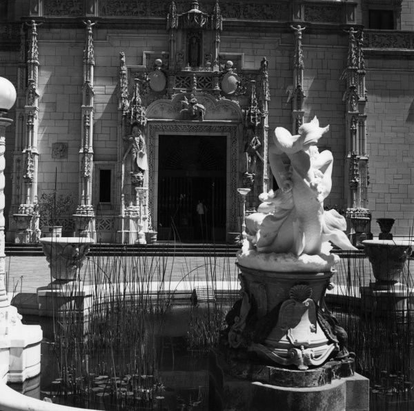 Hearst Castle, the palatial estate built for newspaper magnate William Randolph Hearst, south California, U.S.A. Date: built 1919 - 1947