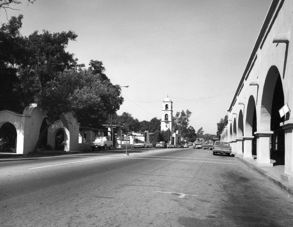 Downtown Ojai, near east of Santa Barbara, California, U.S.A. Date: late 1960s
