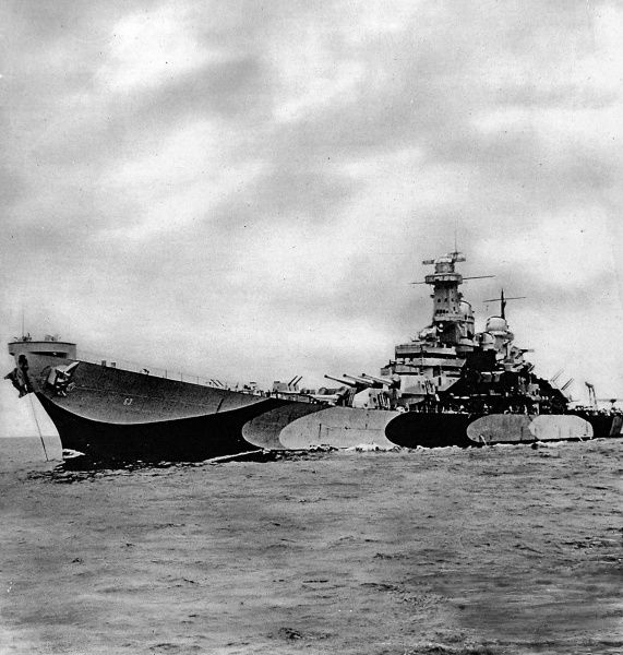 Photograph of the U.S. 'Iowa' class battleship, 'Missouri', pictured in 1945. This 45,000 ton battleship was used for the formal surrender of the Japanese Empire on 2nd September 1945