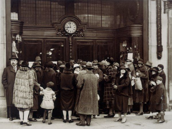 Anxious shoppers outside Selfridges on London's Oxford Street wait for the store to open and the sale to begin