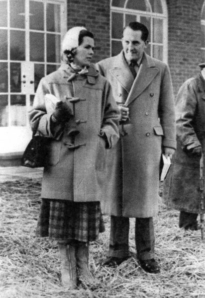 Mr and Mrs Frankie More O'Ferrall at the Newmarket bloodstock sale for breeders of thoroughbred racehorses. Date: 1954