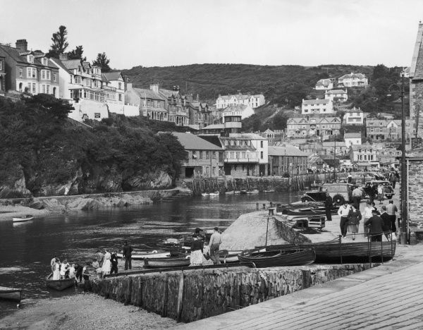 West Looe, seen from East Looe, Cornwall, which in medieval times were two towns on opposite banks of the River Looe, which are now joined by a bridge