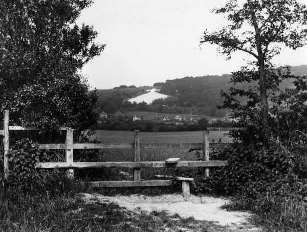 Whiteleafe Cross, near Princes Risborough, Buckinghamshire, England. Date: January 1939