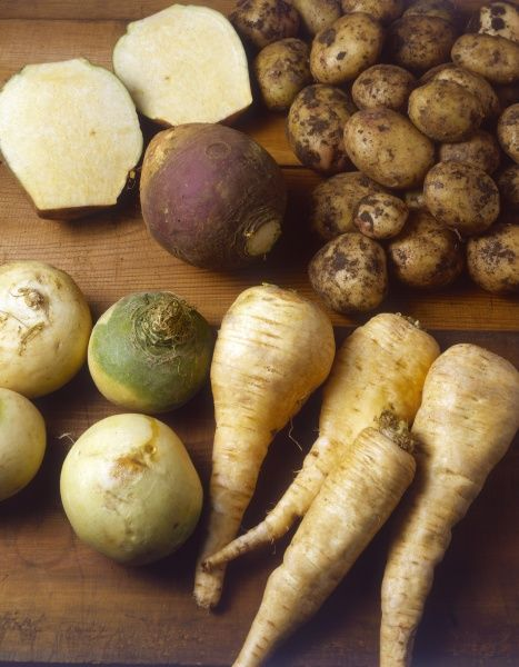 Mixed winter vegetables : Potatoes, turnips and parsnips. Date: 1980