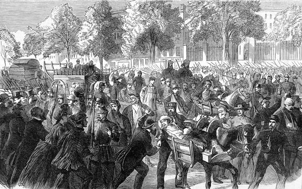 Engraving showing French soldiers wounded in the engagement with the Prussians at Chatillon returning to Paris, 1870. This scene, on the Chausee de Maine, shows the wounded being greeted by a grateful crowd of Parisian civilians