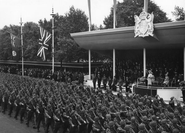 Infantry of the line passing the Saluting Base (George VI, Queen Elizabeth, Queen Mary and Princess Margaret). Date: 8 June 1946