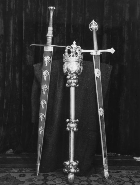 Some of the treasures of York Mansion House : Some swords and a mace. Date: 1950s