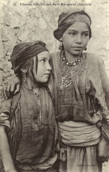 Algeria - Young Kabyle Girls from the Djurjura Mountains Date: circa 1910s