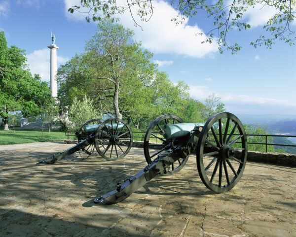 Cannon in Point Park overlooking Chattanooga City
