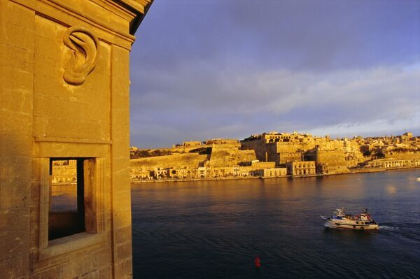 Grand Harbour, Valetta (Valletta) from Senglea, Malta, Mediterranean, Europe