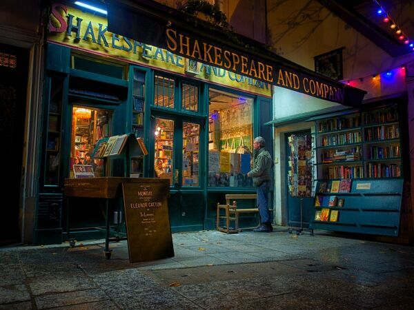 Shakespeare and Company bookstore, Paris, France, Europe