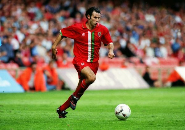 Football - World cup qualifier - Wales v San Marino  Ryan Giggs of Wales in action at Cardiff Arms Park