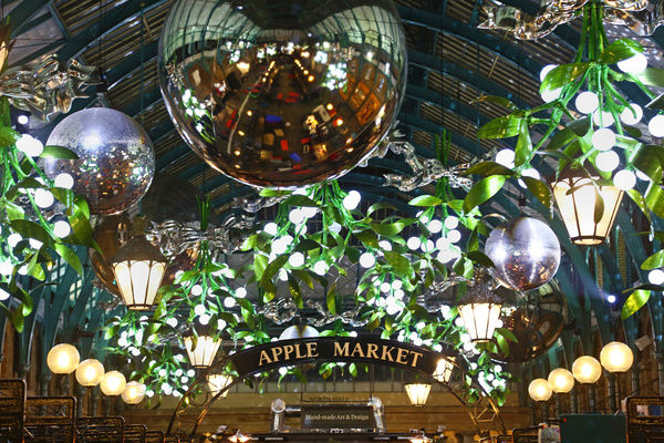 Christmas Lights In Covent Garden London With A Mistletoe 14521259