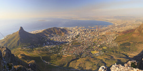 South Africa, Western Cape, Cape Town, Ciy view from Table Mountain