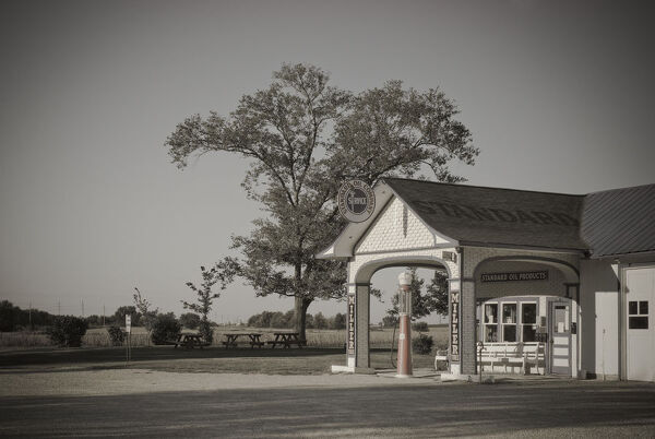 USA, Illinois, Route 66, Odell, 1932 Standard Oil Gas Station