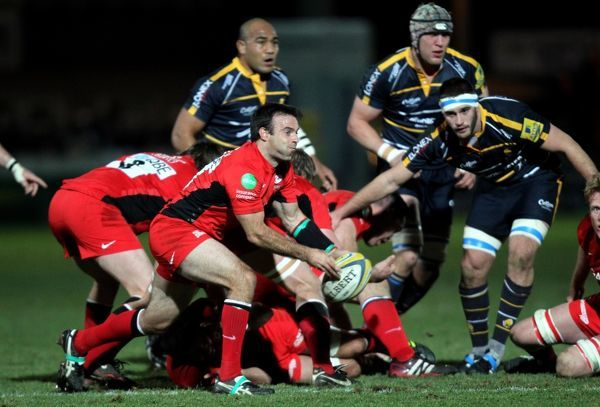 Saracens Neil de Kock gets his pass away during the Aviva Premiership match at Sixways Stadium, Worcester