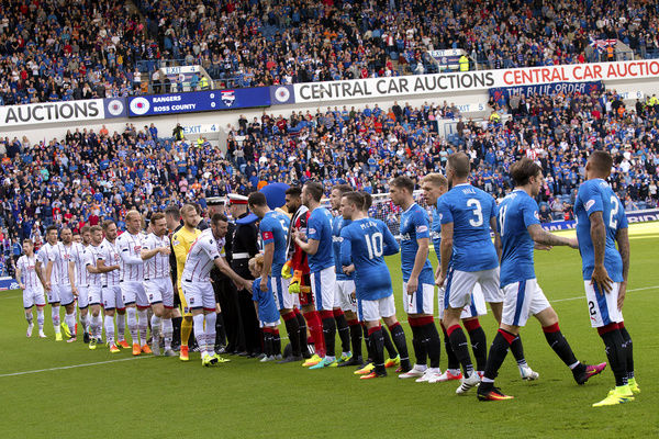 Rangers and Ross county shakes hands during the Ladbrokes Premiership match at Ibrox Stadium, Glasgow