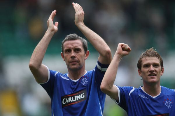 Davi Weir and Steven Davis, Rangers celebrates