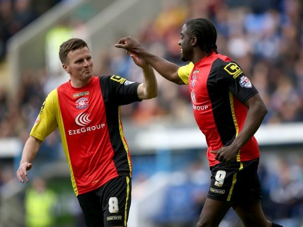 Birmingham City's Clayton Donaldson (right) celebrates scoring his side's first goal of the game with teammate Stephen Gleeson