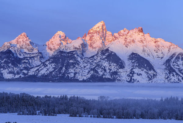 USA, Wyoming, Grand Teton National Park, winter landscape