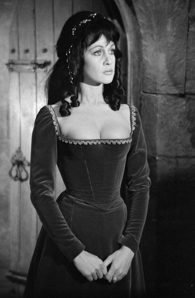 in Scars of Dracula (1970)