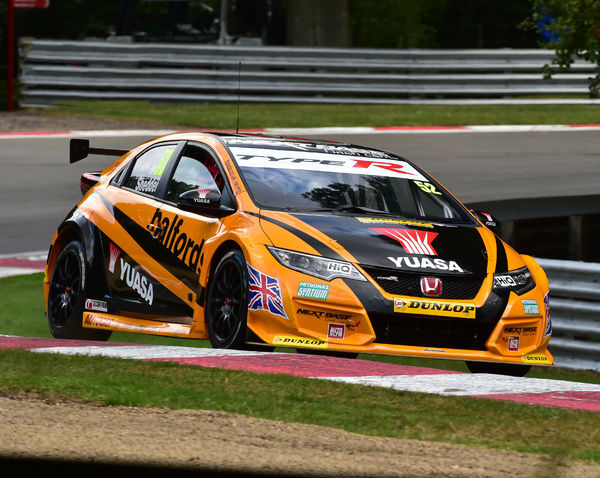 CM16 7705 Gordon Shedden, Honda Civic Type R