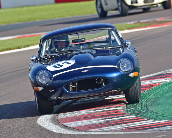 John Clark, Alasdair McCaig, Jaguar E-Type, GT & Sports Car Cup, Pre-66 GT Cars, Pre-63 Sports Cars, Donington Historic Festival, May 2019, motor racing, motor sport, motorsport, Nostalgia, racing, racing cars, retro, cars, classic cars