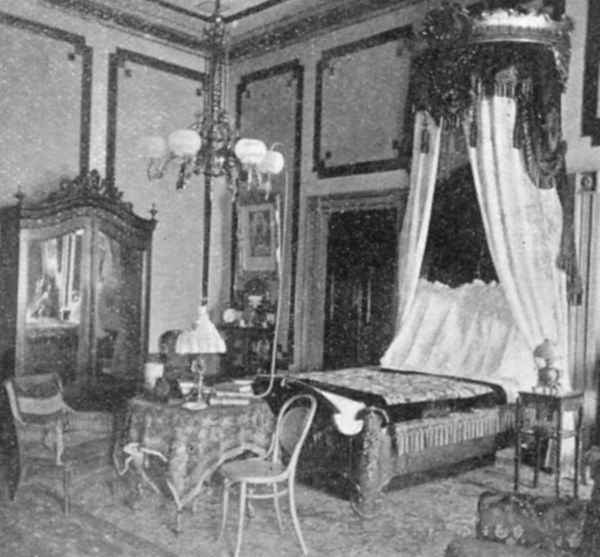 President William McKinley's state bedroom at the White House, Washington, c1901