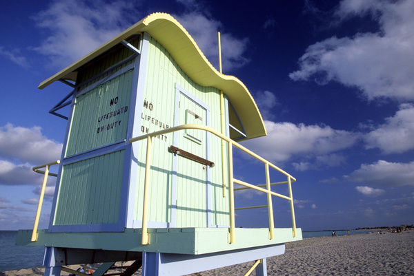 Art deco lifeguard station with 'No Lifeguard on Duty' sign, Miami, South Beach, Florida, USA