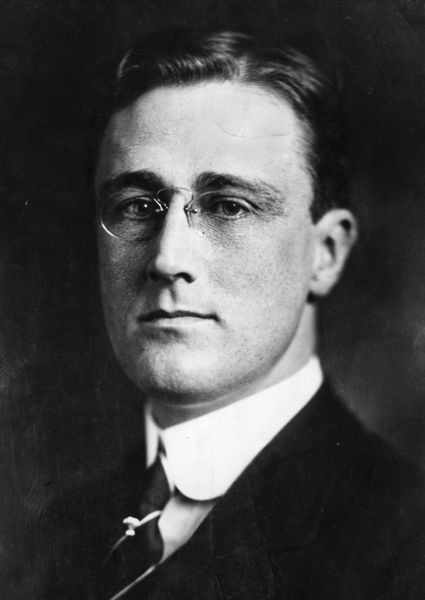 July 1918: US president Franklin Delano Roosevelt ( 1882 - 1945). (Photo by Topical Press Agency/Getty Images)