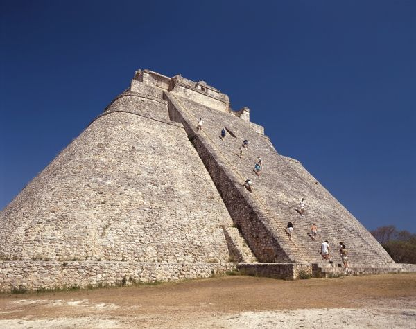 Adivino, or Pyramid of the Magician, 7th to 10th centuries AD, 33 m high. Uxmal, Yucatan, Mexico