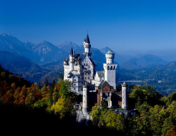 Neuschwanstein Castle built by Mad King Ludwig of Bavaria. near Fuessen, Bavaria, Germany