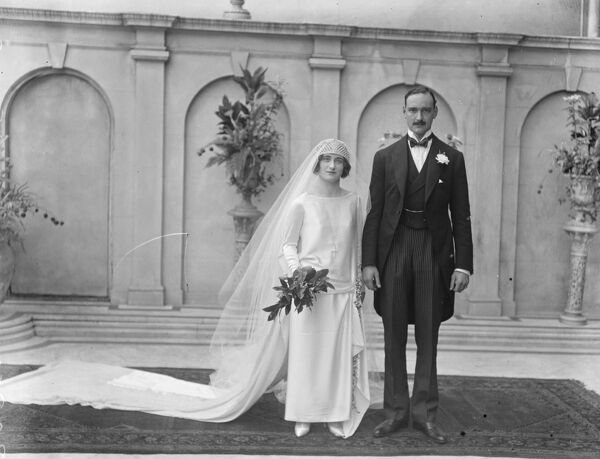 Lady Evelyn Herbert weds. Lady Evelyn Herbert and Mr ...
