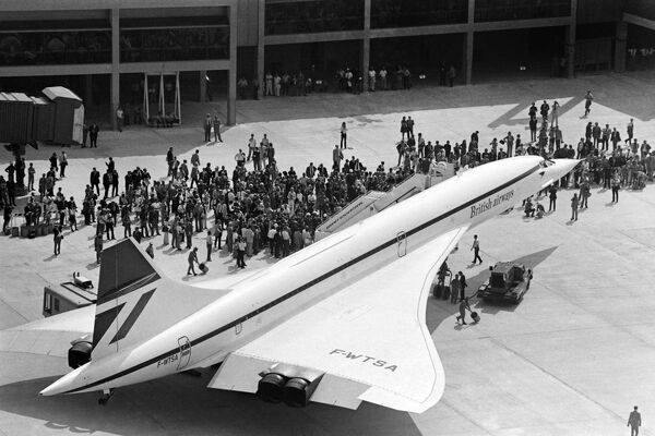The French-British supersonic jet Concorde 002 is seen at Dallas Fort Worth airport on September 20, 1973 after its first flight to the USA, during the opening ceremony of the new airport. / AFP PHOTO /