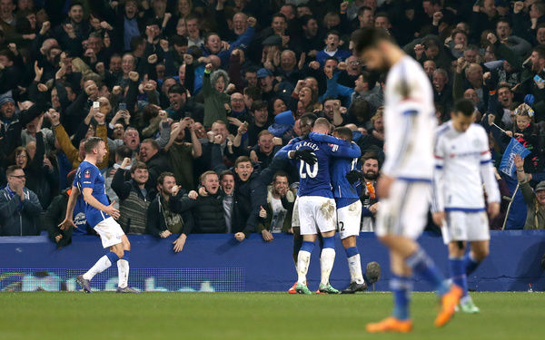 Everton's Romelu Lukaku celebrates scoring his side's second goal of the game with teammates during the Emirates FA Cup, Quarter Final match at Goodison Park, Liverpool