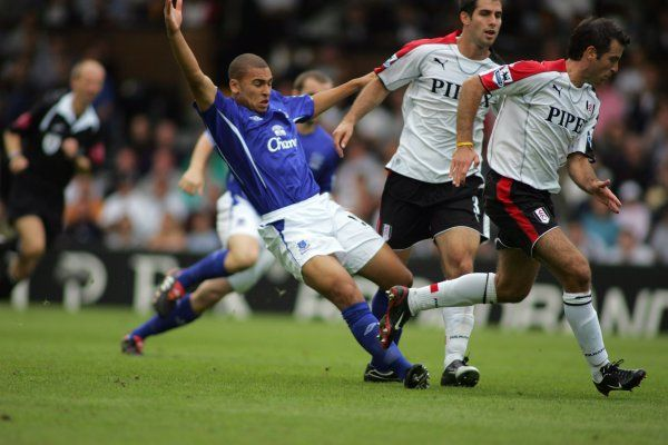 James Vaughan loses out to two Fulham defenders