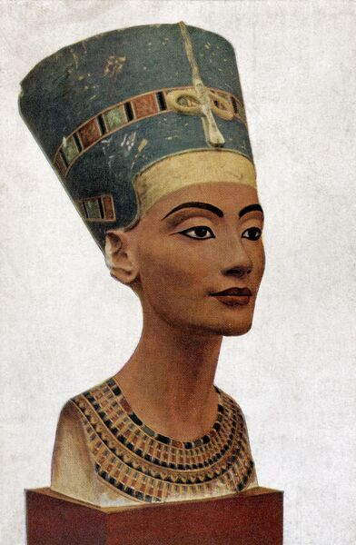 Queen Nefertiti of Egypt - portrait of bust by Thutmis 1360 BC