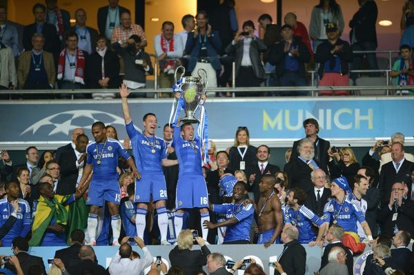 MUNICH, GERMANY - MAY 19: MUNICH, GERMANY - John Terry, Raul Meireles of Chelsea and the team celebrate winning the UEFA Champions League Final between FC Bayern Muenchen and Chelsea at the Fussball Arena M?nchen on May 19, 2012 in Munich, Germany