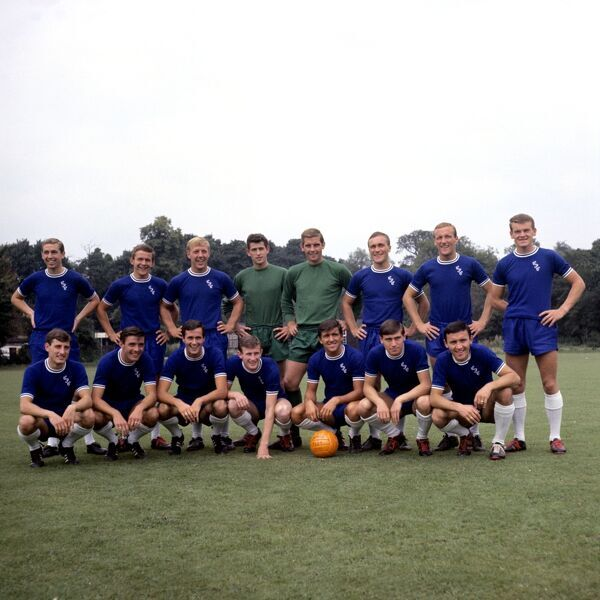 Chelsea first team squad 1964-65: (back row, l-r) Marvin Hinton, John Hollins, Ken Shellito, Peter Bonetti, Dunne, Ron Harris, Alan Harris, Eddie McCreadie; (front row, l-r) Bert Murray, Bobby Tambling, George Graham, Peter Houseman, Terry Venables