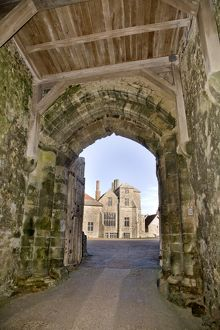 <b>Carisbrooke Castle</b><br>Selection of 29 items