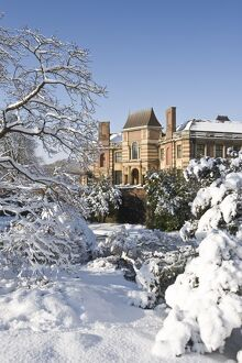 Eltham Palace in the snow N090021