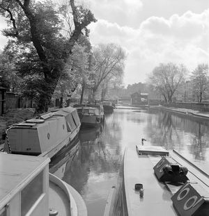 Grand Union Canal AA064515