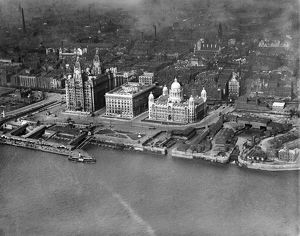 Liverpool Pier Head 1920 EPW003058