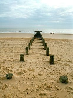 Lowestoft beach N000042