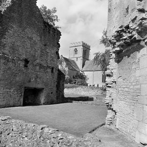 Minster Lovell Hall and St Kenelm's Church AA081394