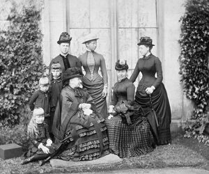 Queen Victoria and family 1884 M950877