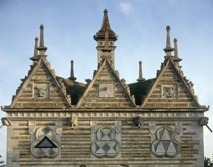 Rushton Triangular Lodge J010085
