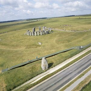 Stonehenge from the air K040318